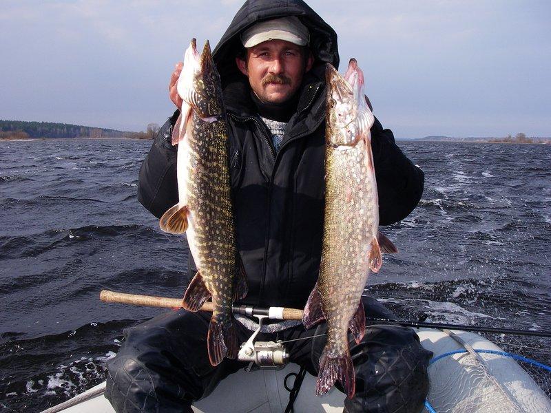 ловля рыбы на водохранилище